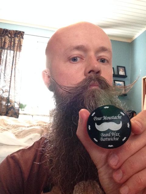 recension av mustaschvax