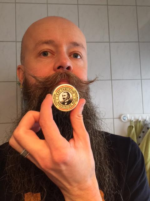 göra eget mustaschvax